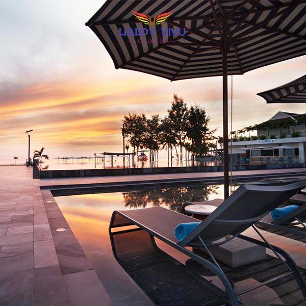 Combo tour du lịch Đà Nẵng Pullman Beach Resort - Hồ bơi