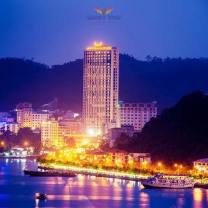 Combo tour du lịch Hạ Long Mường Thanh Luxury Hotel - Toàn Cảnh