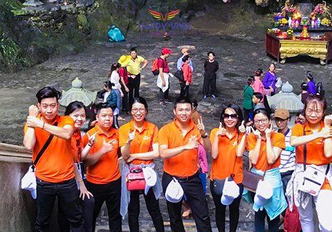 Happy Vivu tổ chức chuyến đi tham quan danh thắng chùa Hương